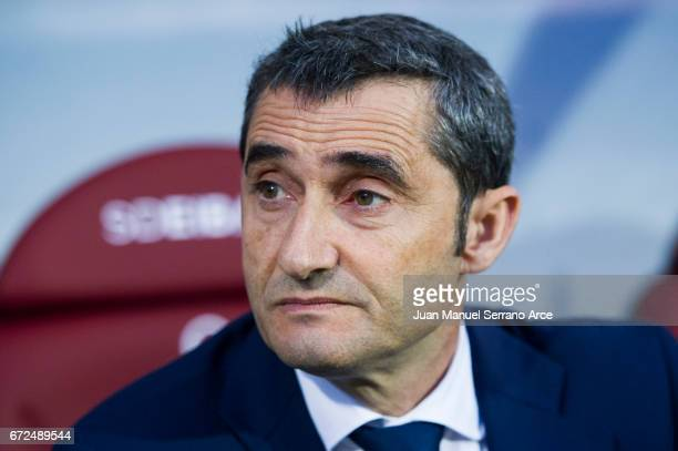 Head coach Ernesto Valverde of Athletic Club looks on prior to the start the La Liga match between SD Eibar and Athletic Club at Ipurua Municipal...