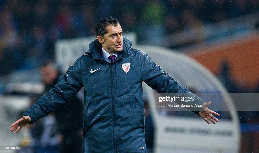 Head coach <a gi-track='captionPersonalityLinkClicked' href=/galleries/search?phrase=Ernesto+Valverde&family=editorial&specificpeople=2498803 ng-click='$event.stopPropagation()'>Ernesto Valverde</a> of Athletic Club reacts during the La Liga match between Real Sociedad and Athletic Club at Estadio Anoeta on December 14, 2014 in San Sebastian, Spain.