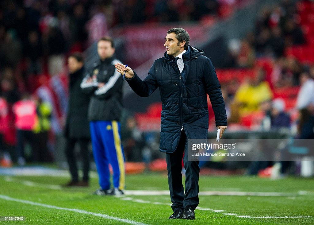 Head coach <a gi-track='captionPersonalityLinkClicked' href=/galleries/search?phrase=Ernesto+Valverde&family=editorial&specificpeople=2498803 ng-click='$event.stopPropagation()'>Ernesto Valverde</a> of Athletic Club reacts during the La Liga match between Athletic Club Bilbao and RC Deportivo La Coruna at San Mames Stadium on March 2, 2016 in Bilbao, Spain.