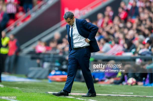 Head coach Ernesto Valverde of Athletic Club reacts during the La Liga match between Athletic Club Bilbao and Real Madrid at San Mames Stadium on...