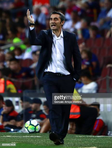 Head coach Ernesto Valverde of FC Barcelona gives instructions during the La Liga match between FC Barcelona and Real Betis Balompie at Camp Nou...