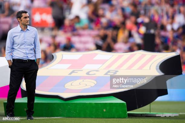 Head coach Ernesto Valverde of FC Barcelona looks on before the Joan Gamper Trophy match between FC Barcelona and Chapecoense at Camp Nou stadium on...