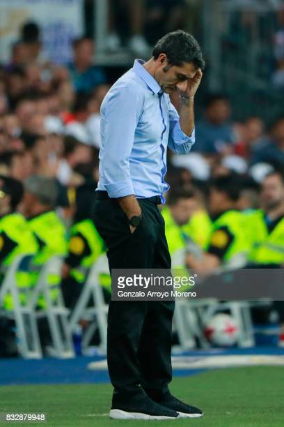 Head coach Ernesto Valverde of FC Barcelona reacts during the Supercopa de Espana Final 2nd Leg match between Real Madrid and FC Barcelona at Estadio...