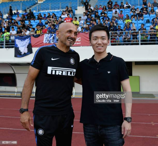 Head coach FC Internazionale Luciano Spalletti and FC Internazionale Milano board member Steven Zhang Kangyang pose on July 28 2017 in Singapore