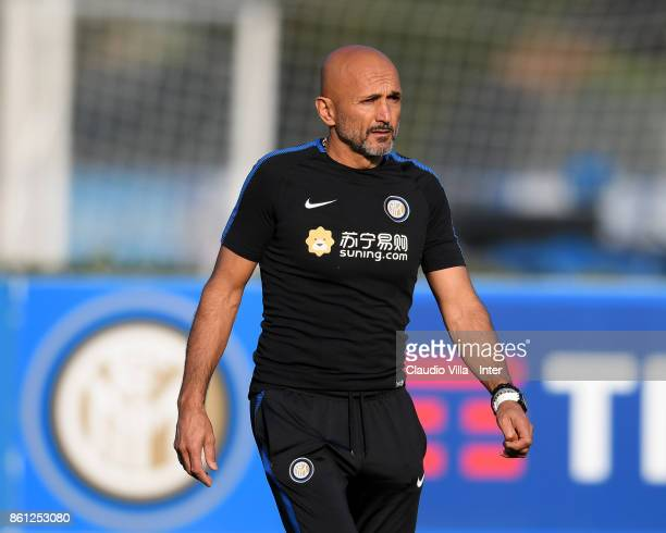 Head coach FC Internazionale Luciano Spalletti looks on during the training session at Suning Training Center at Appiano Gentile on October 14 2017...