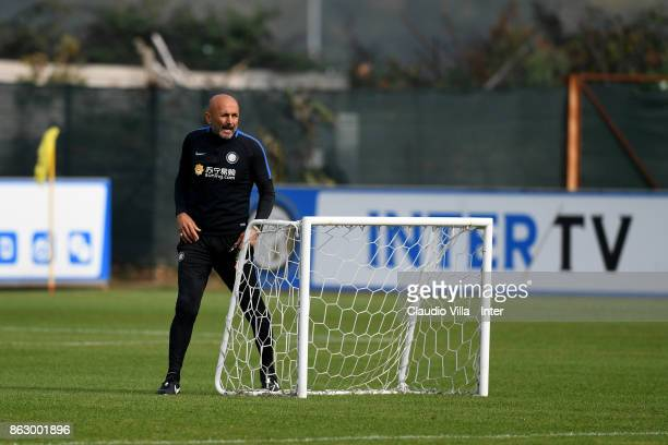 Head coach FC Internazionale Luciano Spalletti looks on during the training session at Suning Training Center at Appiano Gentile on October 19 2017...