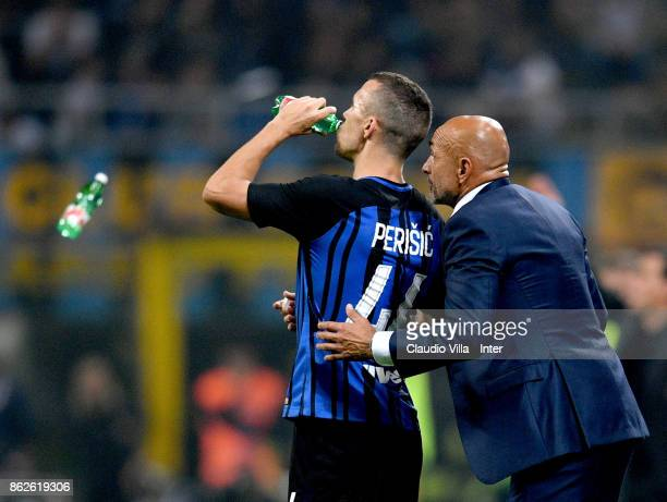 Head coach FC Internazionale Luciano Spalletti reacts during the Serie A match between FC Internazionale and AC Milan at Stadio Giuseppe Meazza on...