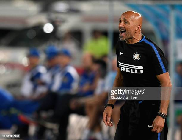Head coach FC Internazionale Luciano Spalletti reacts during the preseason friendly match between FC Internazionale and FC Schalke 04 at Olympic...