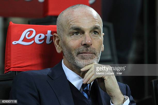 Head coach FC Internazionale Stefano Pioli looks on prior to the Serie A match between FC Internazionale and ACF Fiorentina at Stadio Giuseppe Meazza...