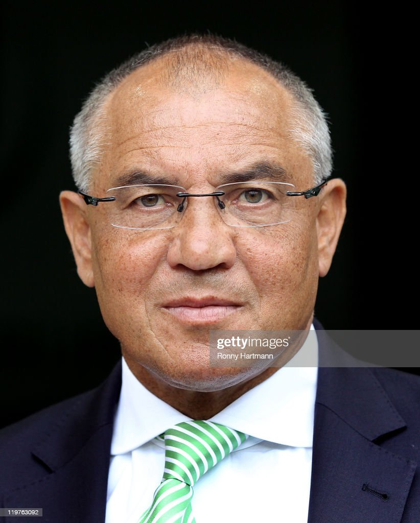 Head coach <a gi-track='captionPersonalityLinkClicked' href=/galleries/search?phrase=Felix+Magath&family=editorial&specificpeople=206318 ng-click='$event.stopPropagation()'>Felix Magath</a> of Wolfsburg attends the pre-season friendly between VfL Wolfsburg and Villarreal at Volkswagen Arena on July 24, 2011 in Wolfsburg, Germany.