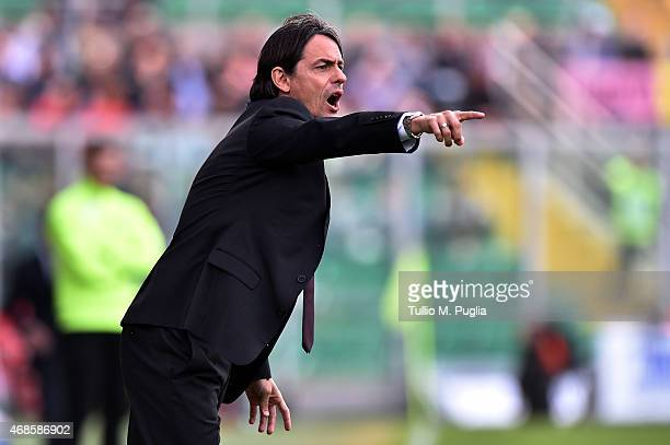 Head coach Filippo Inzaghi of Milan issues instructions during the Serie A match between US Citta di Palermo and AC Milan at Stadio Renzo Barbera on...