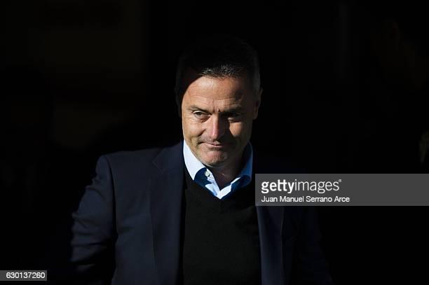 Head coach Fran Escriba of Villarreal CF looks on prior to the start the La Liga match between Real Sporting de Gijon and Villarreal CF at Estadio El...