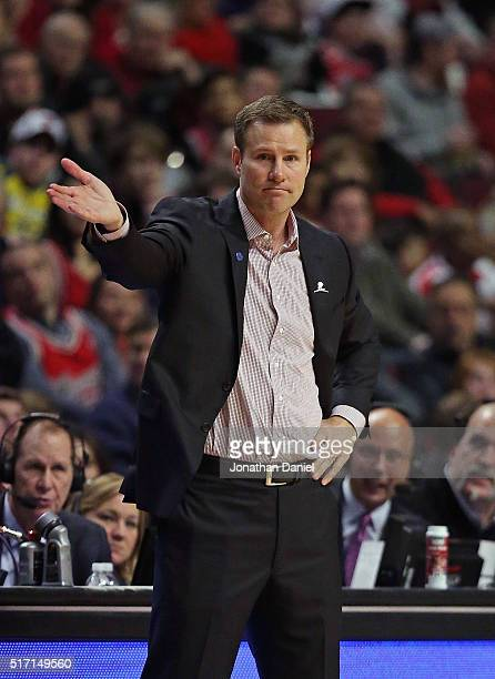 Head coach Fred Hoiberg of the Chicago Bulls gives instructions to his team against the New York Knicks at the United Center on March 23 2016 in...