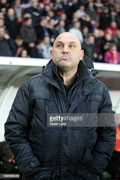 Head Coach Frederic Antonetti of Stade Rennais looks on during the French Ligue 1 between Paris SaintGermain FC and Stade Rennais FC at Parc des...