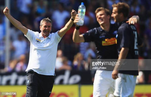Head coach Friedhelm Funkel of Bochum celebrates after his team scored the third goal during the Second Bundesliga match between VfL Osnabrueck and...