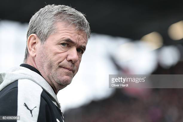 Head coach Friedhelm Funkel of Duesseldorf looks on prior to the Second Bundesliga match between FC St Pauli and Fortuna Duesseldorf at Millerntor...