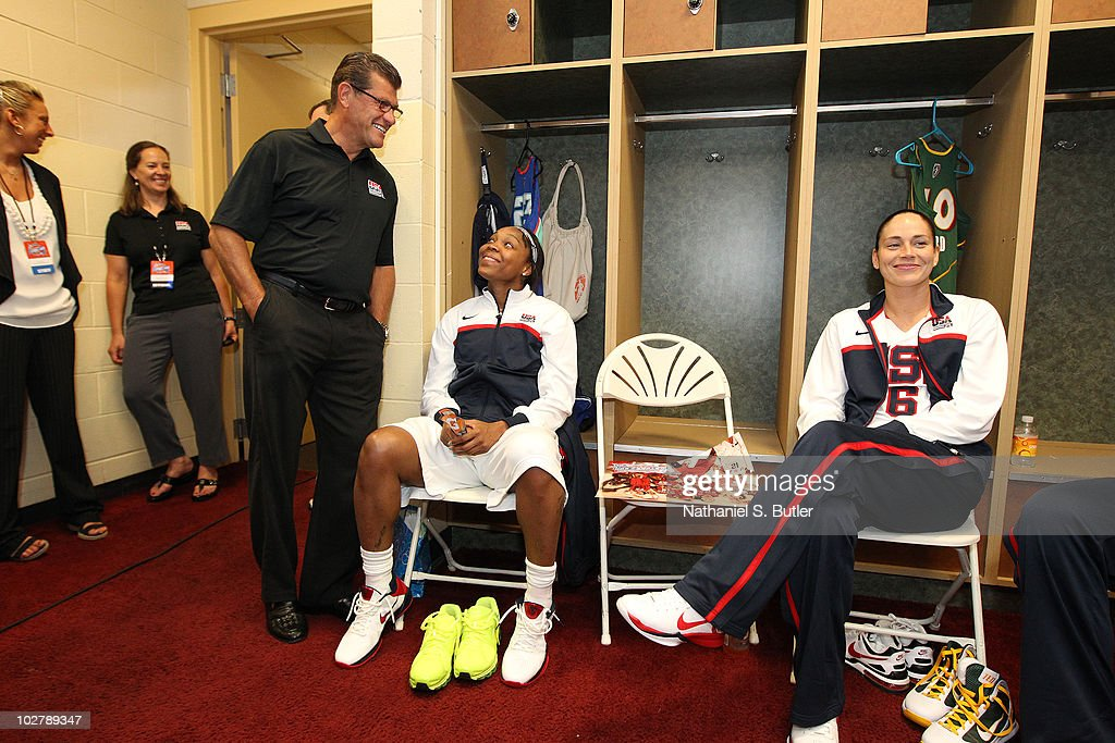 Head Coach Geno Auriemma laughs with <a gi-track='captionPersonalityLinkClicked' href=/galleries/search?phrase=Cappie+Pondexter&family=editorial&specificpeople=544600 ng-click='$event.stopPropagation()'>Cappie Pondexter</a> #4 and <a gi-track='captionPersonalityLinkClicked' href=/galleries/search?phrase=Sue+Bird&family=editorial&specificpeople=201535 ng-click='$event.stopPropagation()'>Sue Bird</a> #6 of the USA Basketball Team in the locker room before the game against the WNBA team during the Stars at the Sun exhibition game on July 10, 2010 at Mohegan Sun Arena in Uncasville, Connecticut.