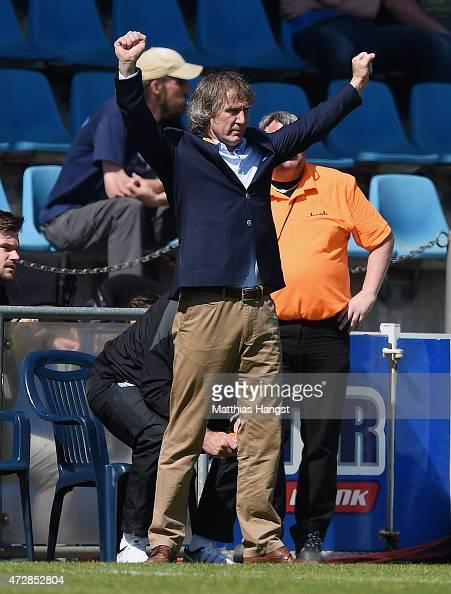 Head coach Gertjan Verbeek of Bochum celebrates after the Second Bundesliga match between VfL Bochum and FC Ingolstadt at Rewirpower Stadium on May...