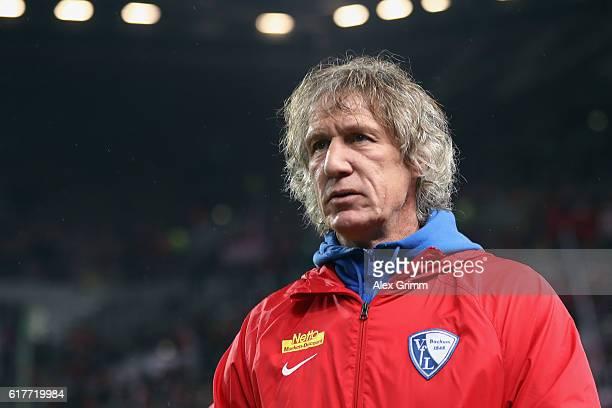Head coach Gertjan Verbeek of Bochum looks on prior to the Second Bundesliga match between 1 FC Kaiserslautern and VfL Bochum 1848 at...