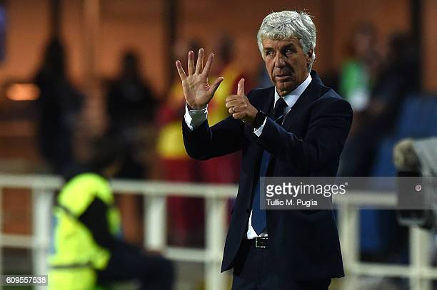 Head Coach Gian Piero Gasperini of Atalanta issues instructions during the Serie A match between Atalanta BC and US Citta di Palermo at Stadio Atleti...