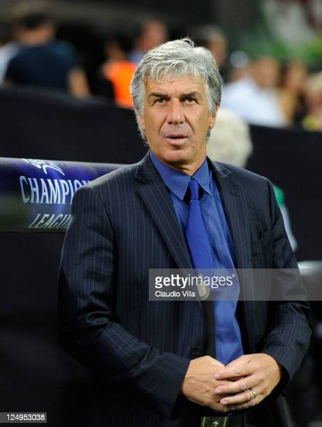Head coach Gian Piero Gasperini of FC Inter Milan looks on during the during the UEFA Champions League group B match between FC Internazionale Milano...