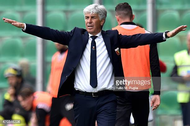 Head coach Gian Piero Gasperini of Genoa gestures during the Serie A match between US Citta di Palermo and Genoa CFC at Stadio Renzo Barbera on April...