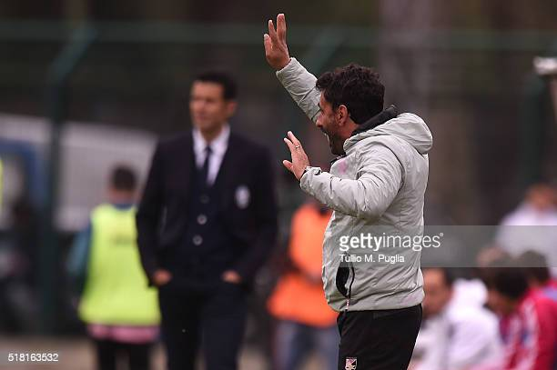 Head coach Giovanni Bosi of Palermo issues instructions during the Viareggio Juvenile Tournament match between FC Juventus and US Citta di Palermo on...