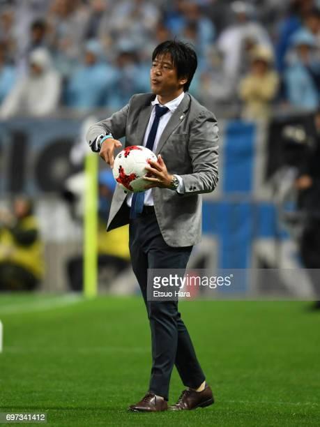 Head coach Hiroshi Nanami of Jubilo Iwata looks on during the JLeague J1 match between Urawa Red Diamonds and Jubilo Iwata at Saitama Stadium on June...