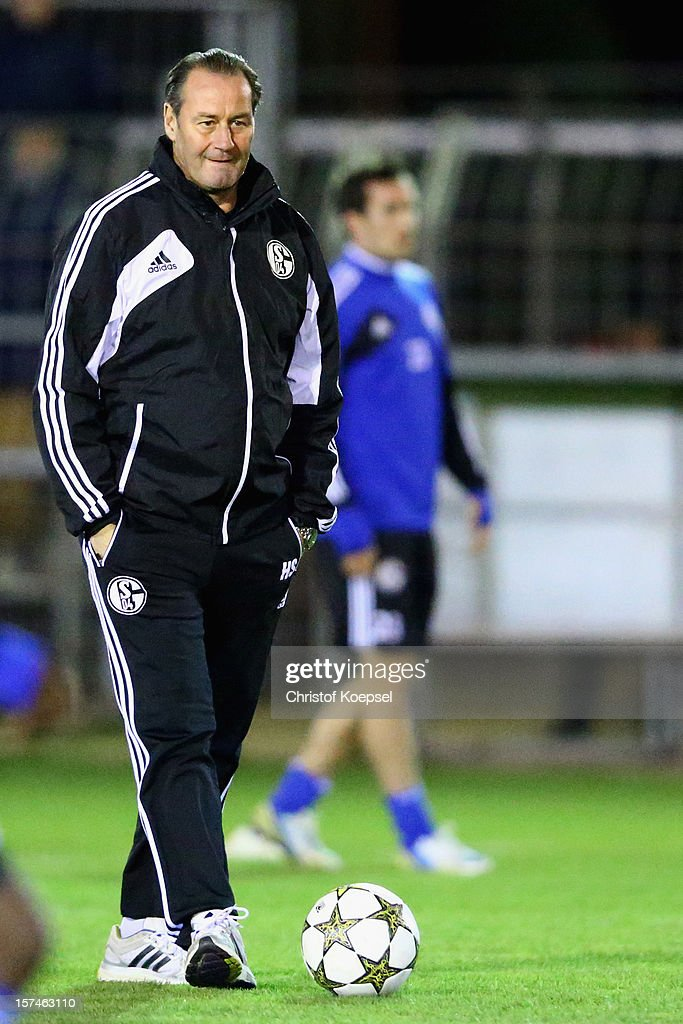 Head coach Huub Stevens attends the training session of FC Schalke 04 at training ground of Montpellier ahead of the UEFA Champions League group B match between Montpellier Herault SC and FC Schalke 04 on December 3, 2012 in Montpellier, France.