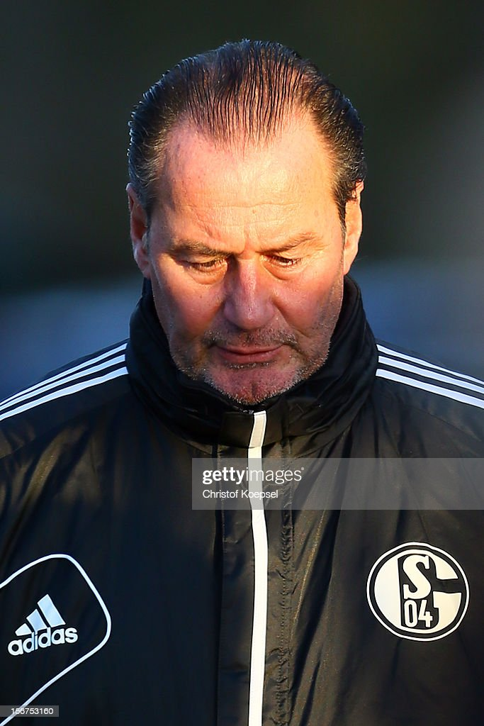 Head coach Huub Stevens of Schalke 04 attends the training session at the training ground ahead of the UEFA Champions League group B match between FC Schalke 04 and Olympiakos Piraeus on November 21, 2012 in Gelsenkirchen, Germany.