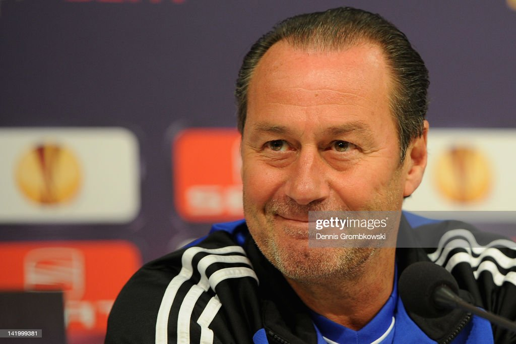 Schalke 04 - Training & Press Conference
