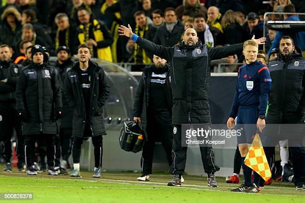 Head coach Igor Tudor of PAOK FC shourts during the UEFA Europa League group C match between Borussia Dortmund and PAOK FC at Signal Iduna Park on...