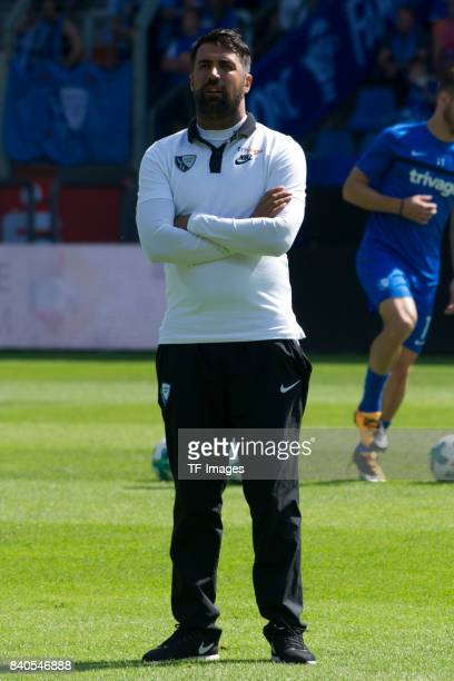 Head coach Ismail Atalan of Bochum looks on during the Second Bundesliga match between VfL Bochum 1848 and SG Dynamo Dresden at Vonovia Ruhrstadion...