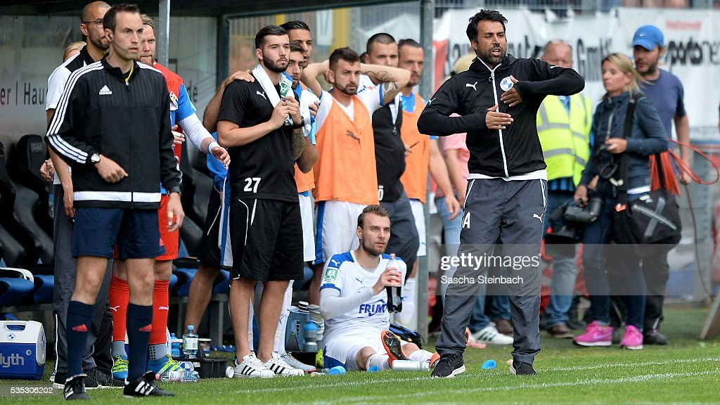 Head coach Ismail Atalan (R) of Lotte reacts during the 3. Liga playoff leg 2 match between Waldhof Mannheim and Sportfreunde Lotte at Carl-Benz-Stadion on May 29, 2016 in Lotte, Germany.