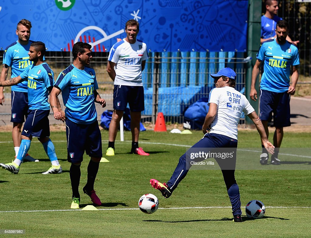 Head coach Italy <a gi-track='captionPersonalityLinkClicked' href=/galleries/search?phrase=Antonio+Conte&family=editorial&specificpeople=2379002 ng-click='$event.stopPropagation()'>Antonio Conte</a> in action during the training session at 'Bernard Gasset' Training Center on June 28, 2016 in Montpellier, France.