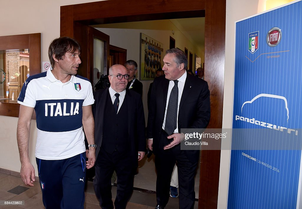Head Coach Italy <a gi-track='captionPersonalityLinkClicked' href=/galleries/search?phrase=Antonio+Conte&family=editorial&specificpeople=2379002 ng-click='$event.stopPropagation()'>Antonio Conte</a>; President FIGC <a gi-track='captionPersonalityLinkClicked' href=/galleries/search?phrase=Carlo+Tavecchio&family=editorial&specificpeople=5365308 ng-click='$event.stopPropagation()'>Carlo Tavecchio</a> and COO FCA Alfredo Altavilla attend Unveil New Panda Azzurri Car at Coverciano on May 26, 2016 in Florence, Italy.