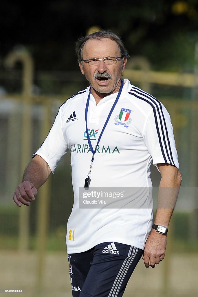 Head coach <a gi-track='captionPersonalityLinkClicked' href=/galleries/search?phrase=Jacques+Brunel&family=editorial&specificpeople=557558 ng-click='$event.stopPropagation()'>Jacques Brunel</a> of Italy during a training session on October 22, 2012 in Rome, Italy.