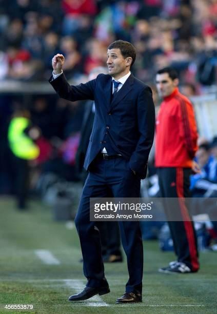 Head coach Javier Garcia of CA Osasuna gives instructions during the La Liga match between CA Osasuna and Real Madrid CF at Estadio El Sadar de...