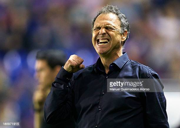 Head coach Joaquin Caparros of Levante reacts during the La Liga match between Levante UD and RCD Espanyol at Estadio Ciutat de Valencia on October...