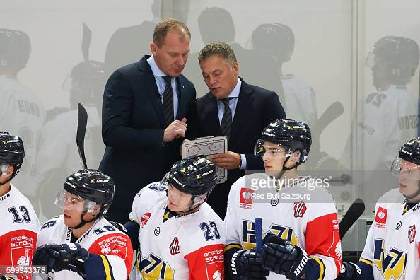 Head coach Johan Lindbom of HV71 Jonkoping during the Champions Hockey League match between Red Bull Salzburg and HV71 Jonkoping at Eisarena Salzburg...