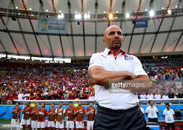 Head coach Jorge Sampaoli of Chile looks on during the 2014 FIFA World Cup Brazil Group B match between Spain and Chile at Maracana on June 18 2014...