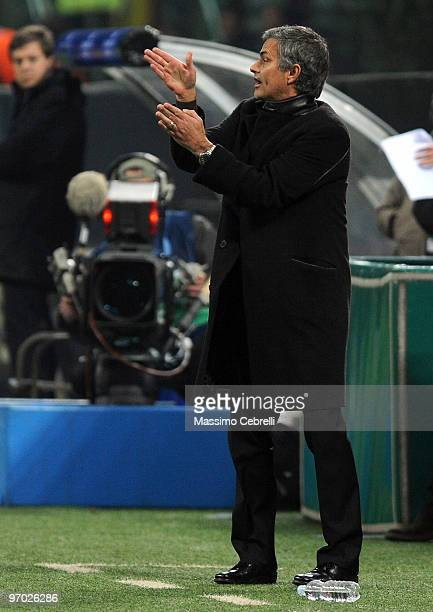 Head coach Jose Mourinho of FC Inter Milan gestures during the UEFA Champions League round of 16 first leg match between FC Inter Milan and Chelsea...