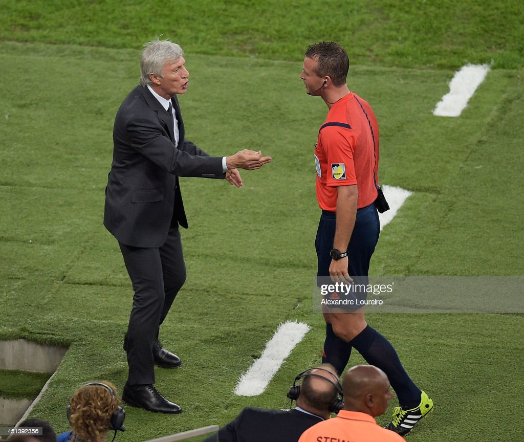 Head coach <a gi-track='captionPersonalityLinkClicked' href=/galleries/search?phrase=Jose+Pekerman&family=editorial&specificpeople=242856 ng-click='$event.stopPropagation()'>Jose Pekerman</a> of Colombia speaks to fourth official <a gi-track='captionPersonalityLinkClicked' href=/galleries/search?phrase=Svein+Oddvar+Moen&family=editorial&specificpeople=6489051 ng-click='$event.stopPropagation()'>Svein Oddvar Moen</a> during the 2014 FIFA World Cup Brazil round of 16 match between Colombia and Uruguay at Maracana on June 28, 2014 in Rio de Janeiro, Brazil.