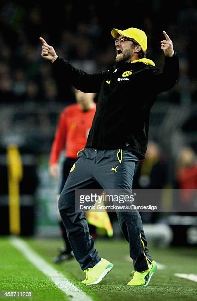 Head coach Juergen Klopp of Borussia Dortmund gestures during the Bundesliga match between Borussia Dortmund and Borussia Moenchengladbach at Signal...