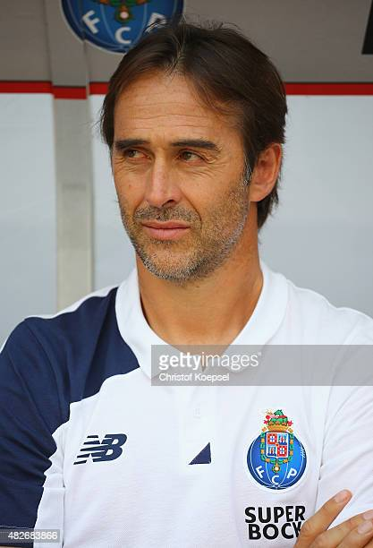 Head coach Julen Lopetegui of Porto looks on prior to the Colonia Cup 2015 match between FC Valencia and FC Porto at RheinEnergieStadion on August 1...