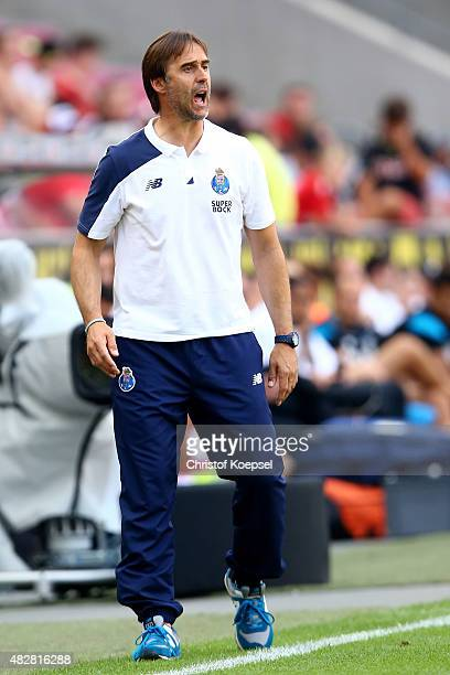 Head coach Julen Lopetegui of Porto shouts runs with the ball during the Colonia Cup 2015 match between FC Porto and Stoke City FC at...
