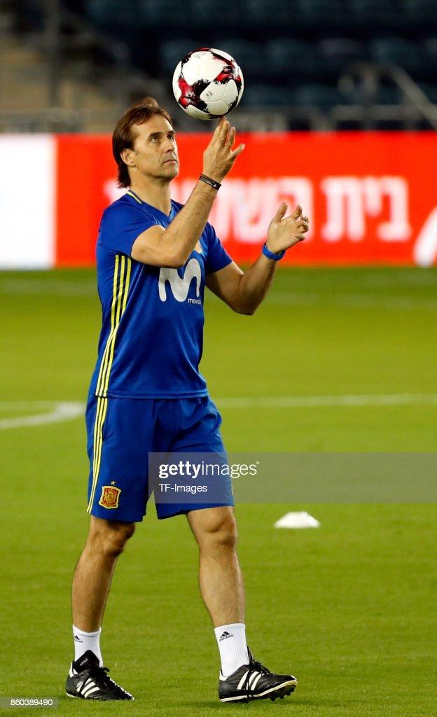 Head coach Julen Lopetegui of Spain attends a training session on October 8, 2017 in Jerusalem, Israel.