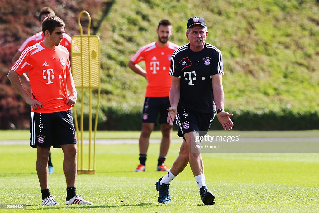 Head coach <a gi-track='captionPersonalityLinkClicked' href=/galleries/search?phrase=Jupp+Heynckes&family=editorial&specificpeople=2062040 ng-click='$event.stopPropagation()'>Jupp Heynckes</a> gives instructions during a Bayern Muenchen training session at the ASPIRE Academy for Sports Excellence on January 5, 2013 in Doha, Qatar.