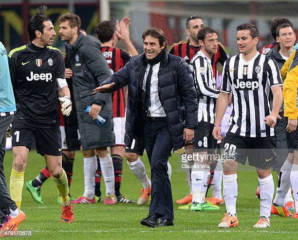 Head coach Juventus Antonio Conte celebrates victory at the end of the Serie A match between AC Milan and Juventus at San Siro Stadium on March 2...