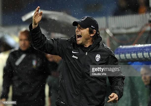 Head coach Juventus Antonio Conte reacts during the Serie A match between the Serie A match between UC Sampdoria and Juventus at Stadio Luigi...